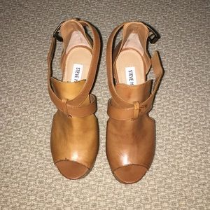 """Steve Madden """"Why Not Me"""" Wedges size 5.5"""
